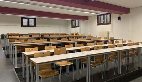 Imatge d'una aula de la Universitat de Lleida buida.