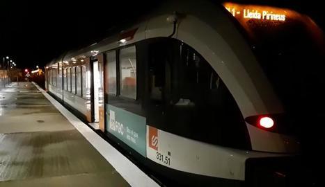 El tren de la Pobla, fent sonar el xiulet a Balaguer.