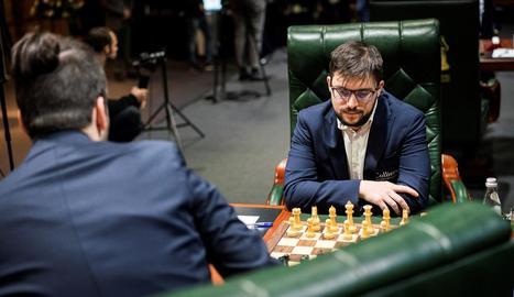 El francès Maxime Vachier-Lagrave, a la dreta, en una partida.