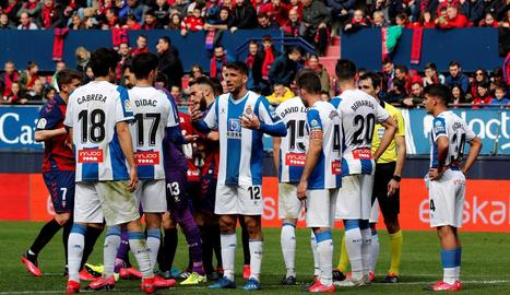 Jugadors del primer equip de l'Espanyol durant el partit de Lliga disputat davant l'Eibar.