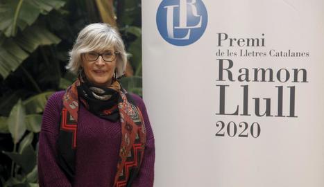"Núria Pradas: ""Tinc la satisfacció de pensar que, millor o pitjor, he surat en el món de la literatura"""
