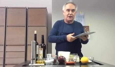 Els grans xefs comparteixen receptes amb estrella Michelin - Molts són els professionals de l'alta cuina que aquests dies aprofiten per compartir les seues receptes més famoses a través de les xarxes socials. Un d'ells és Ferran Adrià, que ...