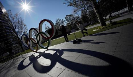 Els cèrcols olímpics omplen els principals carrers i places de Tòquio.