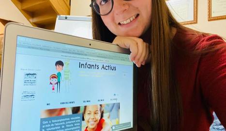Violant Solé és una de les joves que han elaborat el web.