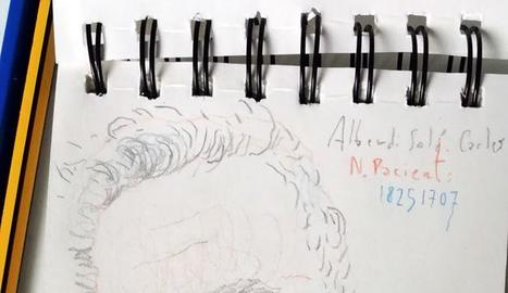 Carles Alberdi, dibuixant a l'hospital.