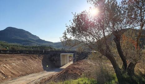 L'últim pas a nivell suprimit a la línia de la Pobla, al camí de Vilanova de la Sal a Camarasa.