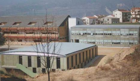 L'Ins Aubenç d'Oliana, tancat, com la resta de centres educatius del país.