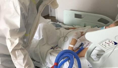 Un sanitari amb un sistema de ventilació mecànica.