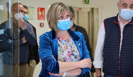 Vergés va visitar ahir un centre per acollir positius de residències.