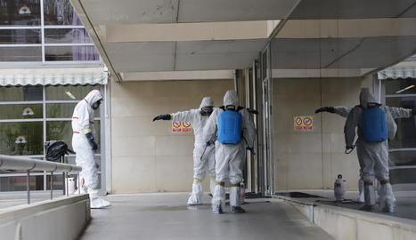 Una empresa va desinfectar la Llar de Sant Josep a inicis d'abril.