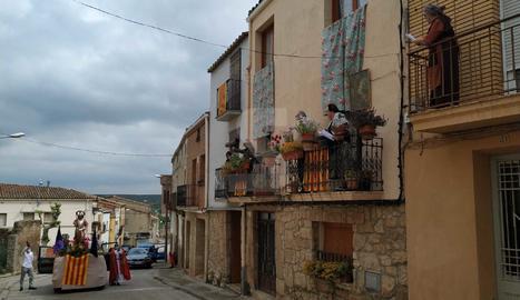 Puigverd de Lleida compleix amb la tradició de la processó de Sant Jordi