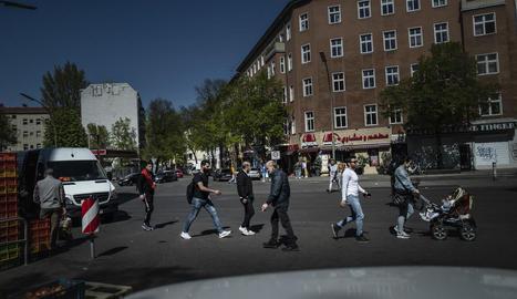 Berlín va reprenent el pols amb l'obertura del petit comerç aquesta setmana.
