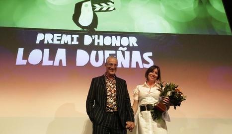 El director Lluís Miñarro i l'actriu Lola Dueñas, últimes estrelles de la Mostra de l'any passat.
