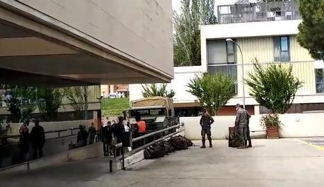 L'exèrcit arriba a la residència Sant Josep de Lleida per desinfectar les instal·lacions