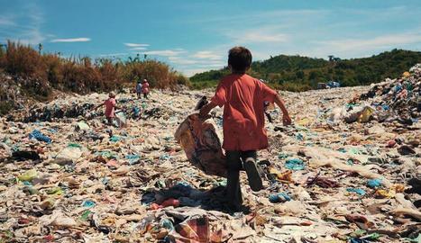 Aminodin és un nen filipí que viu en un abocador.