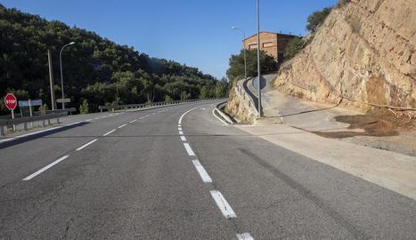 La carretera que uneix Solsona i Guissona al seu pas per Biosca.