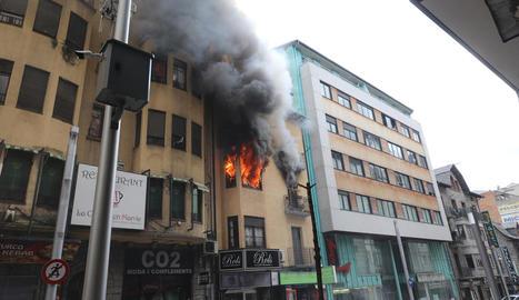 Imatge de l'incendi que es va produir dissabte al migdia.