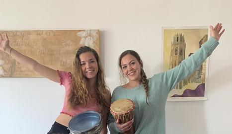 La família Rovira Rodríguez, amb els seus peculiars instruments.