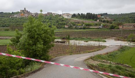 El riu Corb es va desbordar el 21 d'abril i va negar camins a l'Urgell.