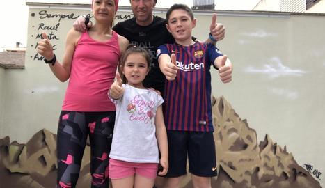 La família Capel, ahir amb mascareta.