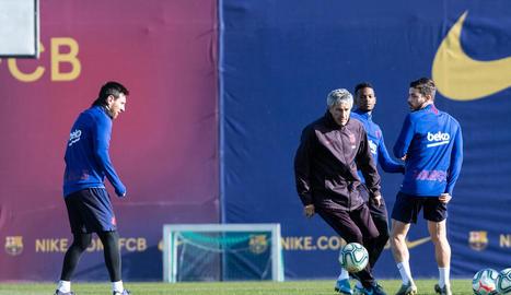 El Barça planeja començar els entrenaments de forma individualitzada, repartint els jugadors entre quatre camps.