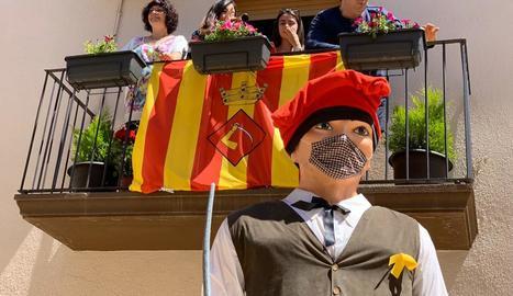 El Tonet (a la foto) i l'Àgueda no es van deixar les màscares.