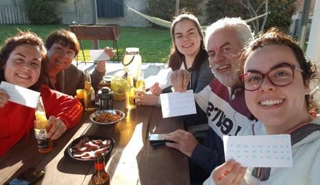 Famílies senceres seguien el bingo solidari.