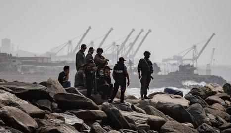Patrulles veneçolanes vigilen l'àrea on va desembarcar el comando.