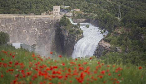Sant Antoni obre comportes per recollir aigua del desglaç per la calor