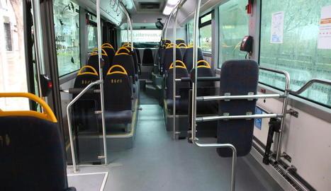 El confinament ha reduït al mínim l'ús dels autobusos.