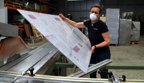 La demanda de planxes de policarbonat com aquesta es dispara per condicionar empreses.