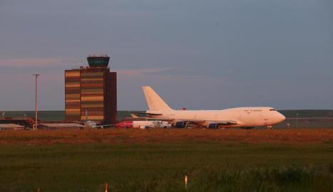 Avions a l'aeroport d'Alguaire el mes d'abril passat.