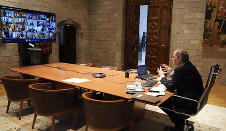 Torra durant la reunió telemàtica que va mantenir ahir amb Pedro Sánchez i la resta de presidents autonòmics.