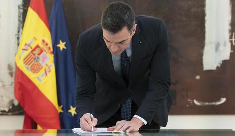 El govern espanyol, patronal i sindicats signen l'acord per prorrogar els ERTO fins al 30 juny