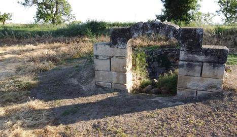 Font de Paradell - Un altre projecte de l'entitat planteja restaurar la font de Paradell, pròxima al canal i que podria datar-se entre els segles XVII i XVIII, en col·laboració amb els Amics de la Banqueta de Juneda.