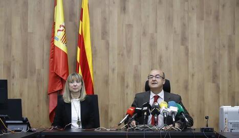 Barrientos, l'octubre passat a Lleida, amb la presidenta de l'Audiència, Lucía Jiménez.