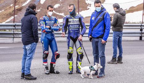 Àlex Rins, pilot del Mundial de MotoGP, durant el seu entrenament al circuit andorrà.
