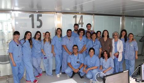 Imatge d'arxiu de professionals de l'UCI de l'hospital Arnau.