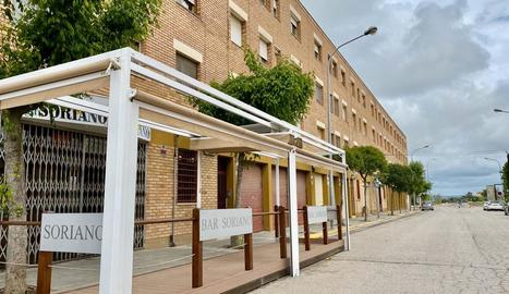 Almacelles permetrà ampliar l'espai públic destinat a les terrasses.