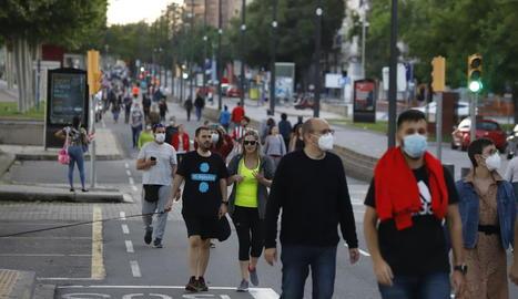 Els lleidatans van aprofitar ahir de forma multitudinària els carrers habilitats per a vianants a la capital.