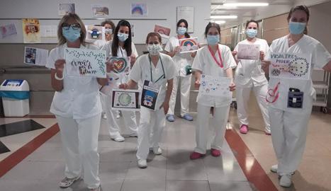 Educació als hospitals - Les aules hospitalàries ofereixen un marc per poder atendre les necessitats educatives dels nens i joves i donar continuïtat al procés educatiu, afavorint la relació amb la família durant el temps d'ingrés hospital ...