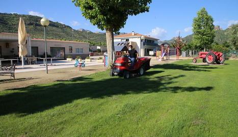 Imatge del càmping La Noguera de Sant Llorenç de Montgai, que ja prepara les instal·lacions.