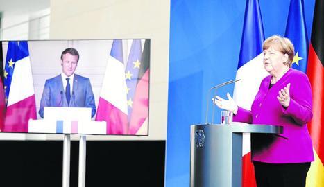 Macron i Merkel van fer ahir l'anunci en una compareixença simultània des de París i Berlín.