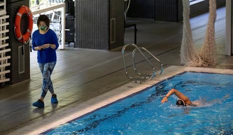 Una nadadora de l'equip de sincronitzada, ahir al CAR.