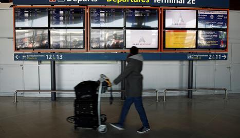 França proposa una quarantena voluntària per a viatgers des de fora de la UE