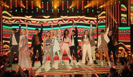 Els concursants posen per a la imatge final d'una gala anterior.