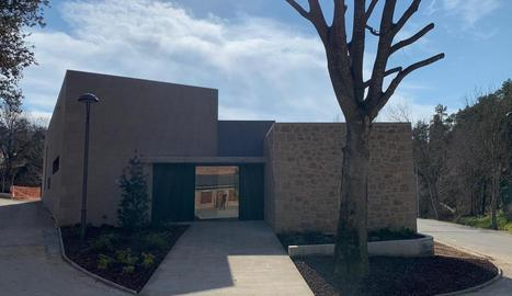 La nova seu de l'ajuntament de Bassella, al nucli d'Ogern.