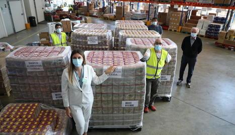 Mercadona va donar ahir al Banc dels Aliments de Lleida un total de 8.000 quilos de llenties.
