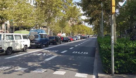 Imatge d'arxiu de vehicles contaminants a Barcelona.