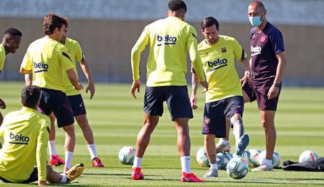 El Barça va tornar ahir a l'activitat a la Ciutat Esportiva amb entrenaments per a grups reduïts.